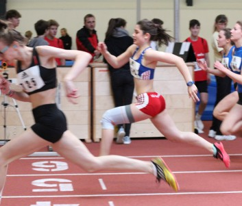 Ronja Sasse beim Sprint Zieleinlauf