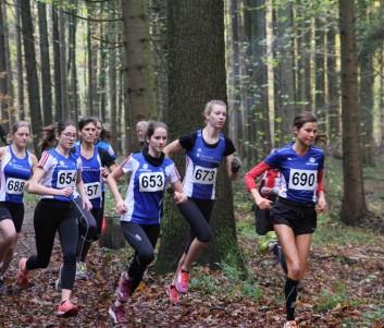 Start der Frauen und weiblichen Jugend über 3600m (Josefine Meyer-Ranke von der LG Nordheide (690) war die Tagesschnellste)