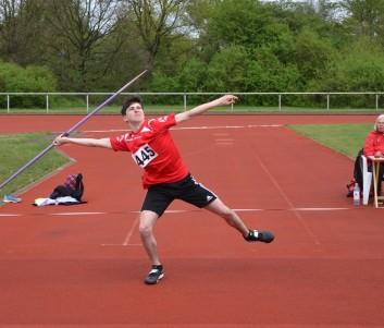 Samuel Wolter (LG Prignitz) bei seinem Versuch auf 52,07m. Nur zwei Athleten seiner Altersklasse warfen im vergangenen Jahr weiter.