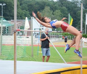 Jennifer Soetebier stellte mit 1,76 m eine neute Bestleitung auf