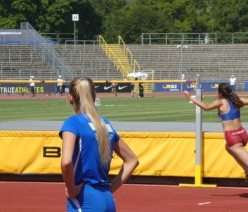 Jennifer Soetebier beim Versuch über die 1,74 m