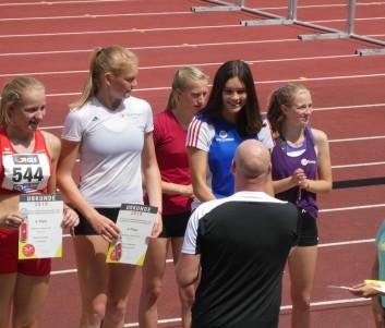 Siegerehrung für Jennifer Soetebier (Vierte von links)